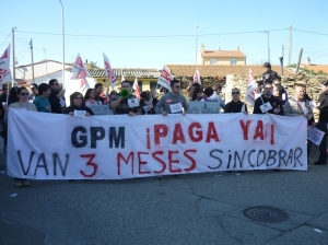 Trabajadoras y trabajadores en la manifestación