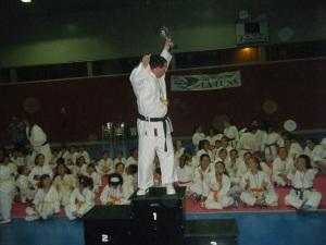 Uno de los deportistas de la Luna durante la entrega de trofeos
