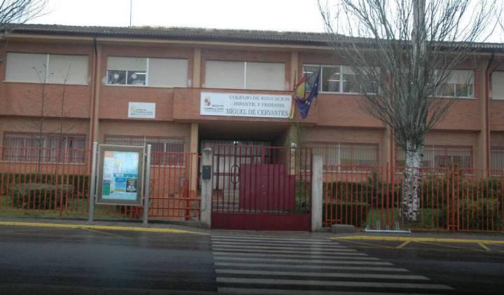 Colegio Miguel de Certantes _detail